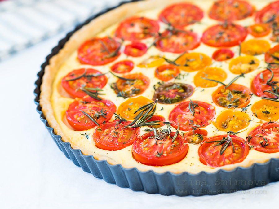 Goat Cheese and Tomato Tart in a White Wine Crust
